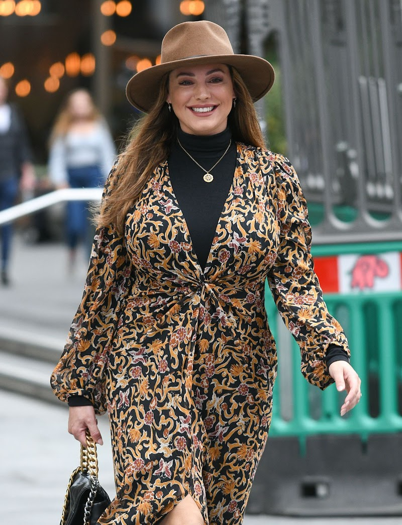 Kelly Brook Arrives at Global Studios in London 4 Sep- 2020