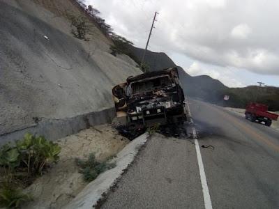 Se incendia vehículo transporte de valores; empresa había sufrido auto robo de RD$36 MM