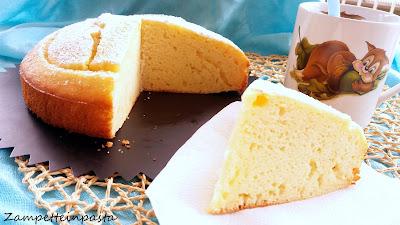 Torta con succo d'ananas senza burro - Torta leggera all'ananas e ricotta