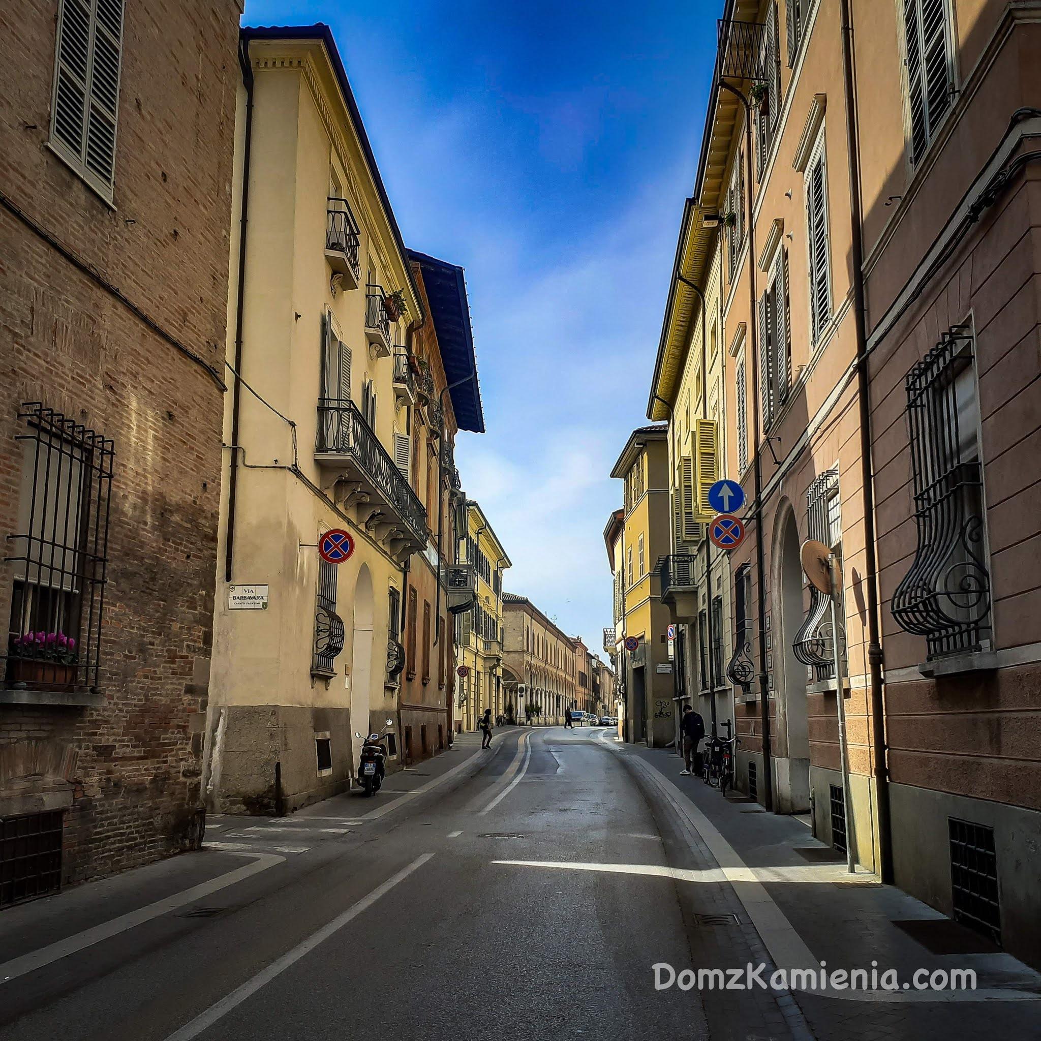 Faenza, Dom z Kamienia blog o życiu we Włoszech