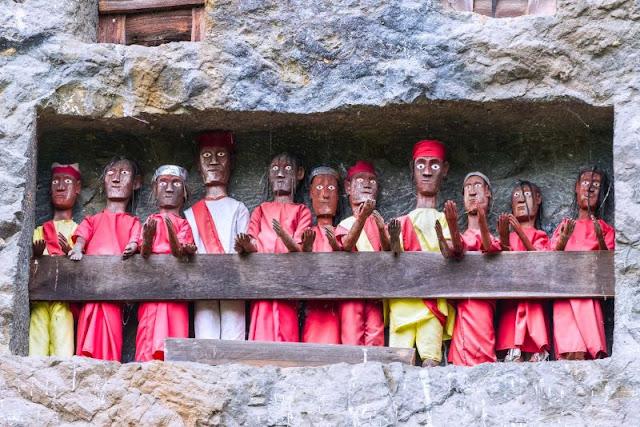 Patung Tau-tau yang ada di Toraja
