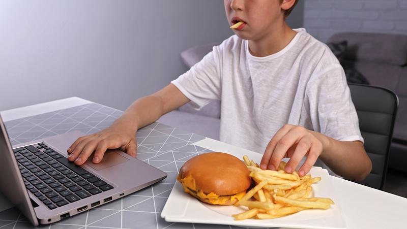 Ekran başındaki çocukları hafifletecek sağlıklı tüyolar