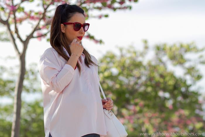Bloguera embarazada de moda belleza con ideas para vestir en el embarazo con ropa de zara