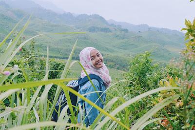 bukit gambar