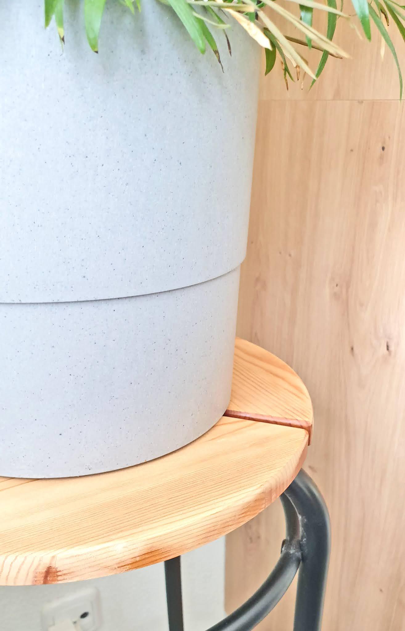 stojak na kwiaty drewniany