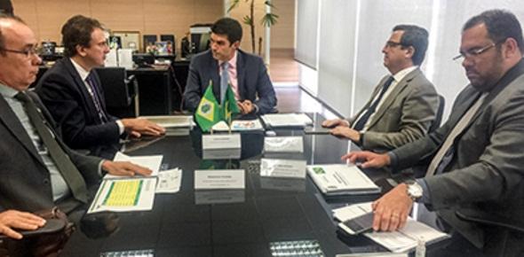 Em Brasília, governador vai a ministério e TCU para discutir obras da transposição