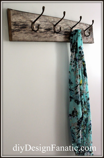 reclaimed wood coat rack, reclaimed wood, coat rack, farmhouse, farmhouse style, cottage, cottage style, diyDesignFanatic.com