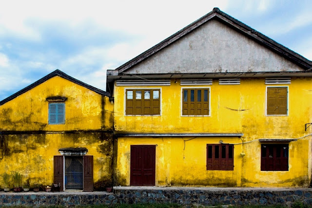 Photographs of Hoi An by photographer Réhahn in top Travel Magazine in UK 4