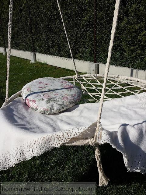 huśtawka bocianie gniazdo, huśtawka ze sznurka, poduszka róże,
