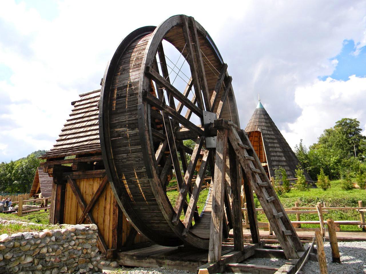drewniana maszyna, park techniki, Złoty Stok, muzeum