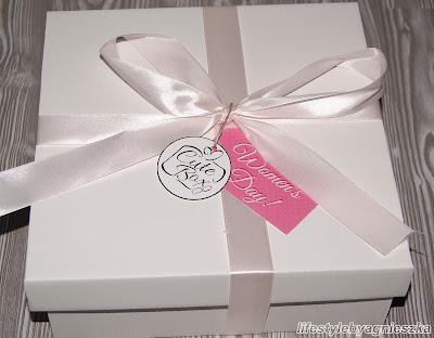 Cute Box - Happy Women's Day!