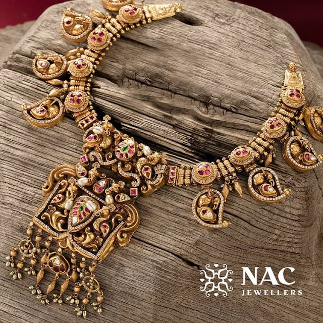 Antique Necklace by Nac Jewellers
