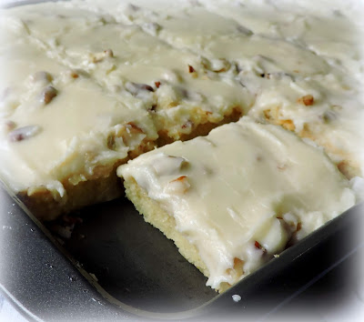 Fudgy Almond Tray Cake