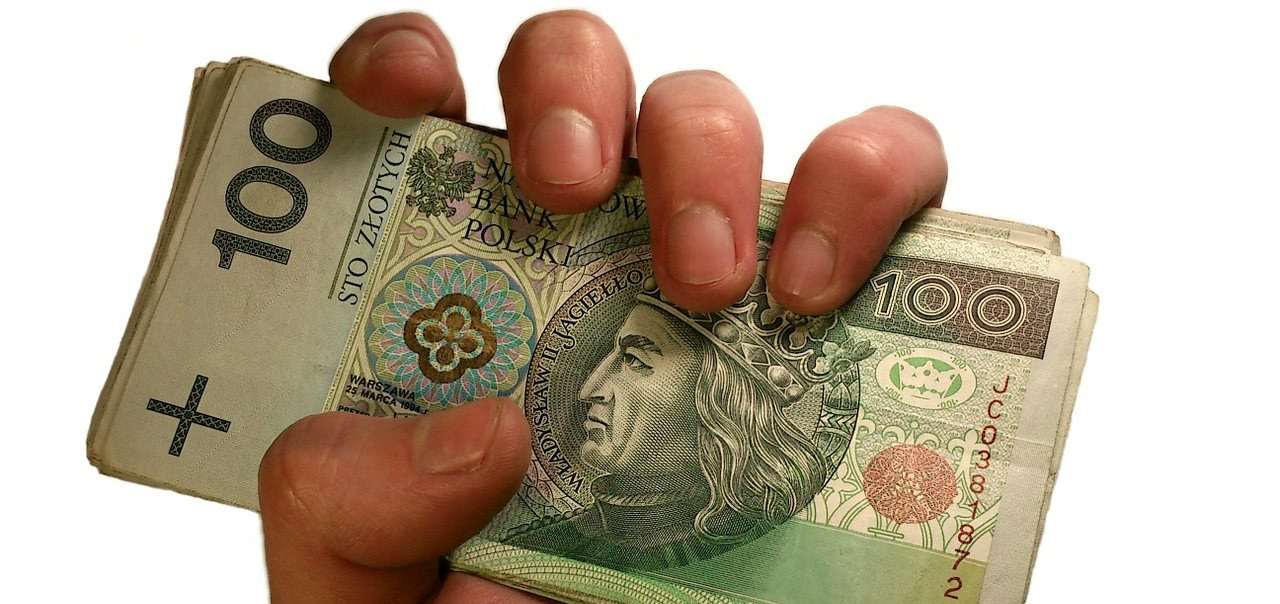 https://1.bp.blogspot.com/-psf2BB_MyUQ/WvZd3G6qJdI/AAAAAAAAJwI/kt0Z_6JTrXov9jYEHT7jQyI72LEpCzi0QCLcBGAs/s1600/money-in-hand-1207855_1280.jpg