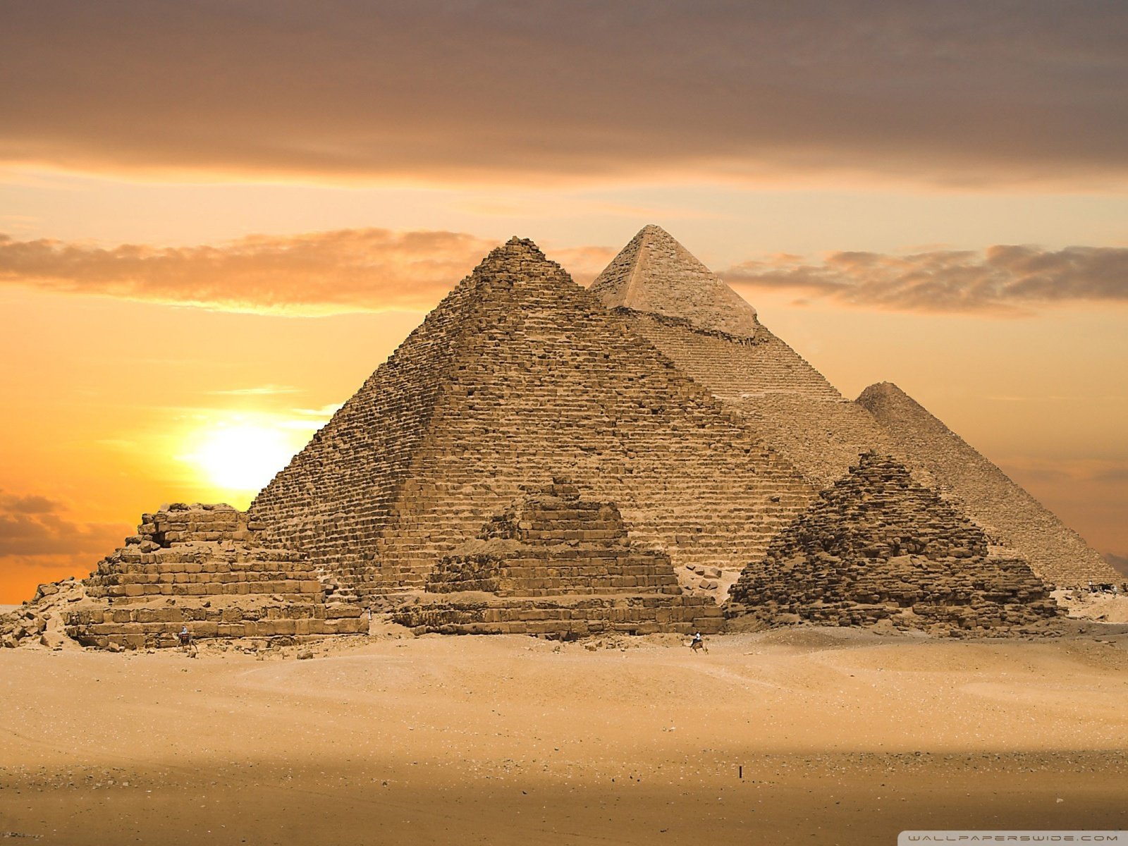 great pyramid of giza construction ended relationship