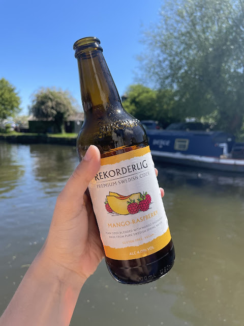 Leicester kayaking Paddle to the Pub