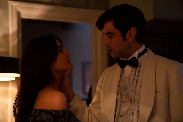 Javier Rey y Adriana Ugarte en 'Hache' de Netflix
