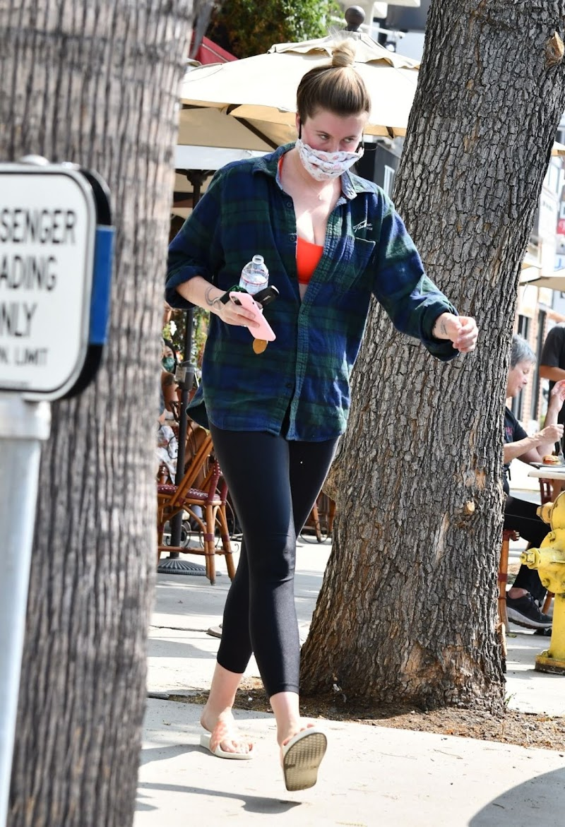 Ireland Baldwin  Out for Lunch in Studio City 16 Sep- 2020