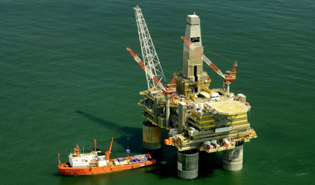 maritime law apply oil and gas workers O&G rig employees drilling dangers