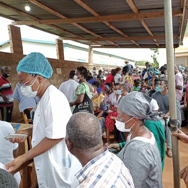 Forte affluence dans les vaccinodromes :  L'interdiction de rassemblement de plus 15 personnes mis à mal