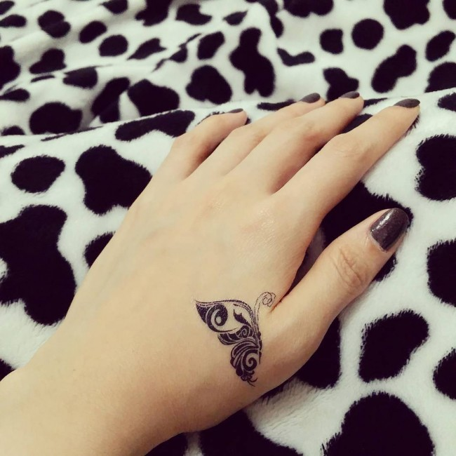 Simple Hand Tattoo Design For Girls