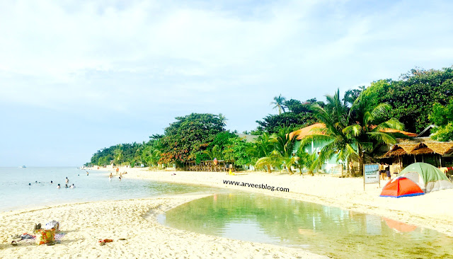 Beaches in south Cebu - Basdaku Beach also known as White Beach is also one of the most popular white sand beaches in south Cebu, situated in the southwestern town of Moalboal.