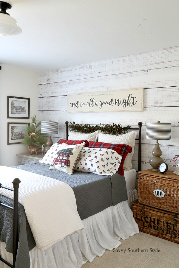 Savvy southern style the christmas farmhouse style bedroom for Southern style bedroom