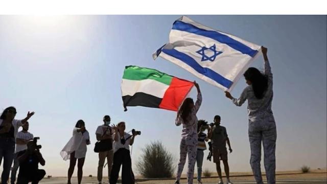 ماي تاجر عارضة أزياء إسرائيلية 1