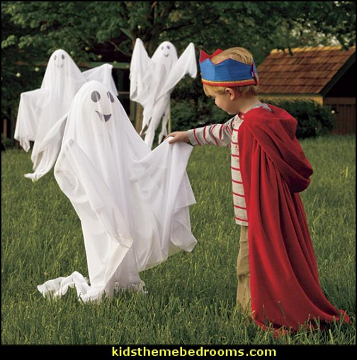 Garden Ghosts halloween decorations