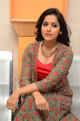 rashmi gautam new sizzling in red-thumbnail-1