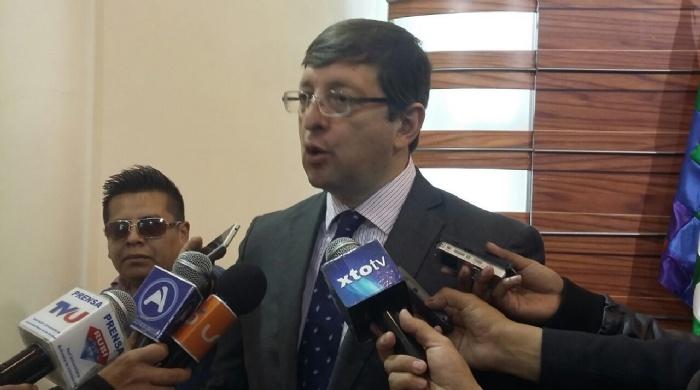 El senador cruceño fue el primero en levantar la denuncia por las irregularidades del contrato con Drillmec