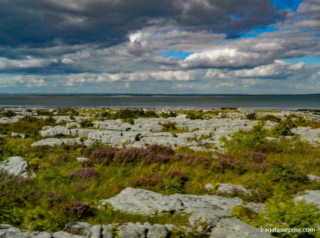 Paisagem do Burren, na Irlanda