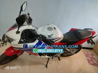 Pengiriman Sepeda Motor Honda CB150R door to door dari Malang tujuan Maumere melalui Pelabuhan Tanjung Perak Surabaya dengan driving dan kapal roro, estimasi perjalanan 4-5 hari..