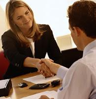 http://jobsinpt.blogspot.com/2012/04/hindari-10-kesalahan-ini-pada-cv-anda.html