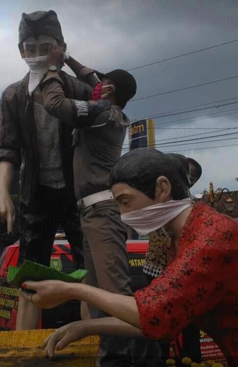 Walikota Madiun Kampayekan Pakai Masker