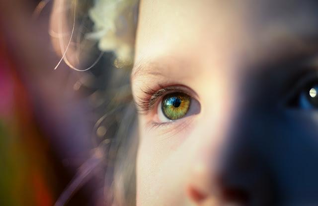 Bebekler Göz Rengini Kimden Alır?