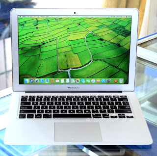 "MacBook Air Core i5 ( Early 2015 ) 13.3"" A1466"