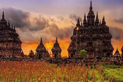 Kerajaan Hindu-Buddha di Indonesia : Kerajaan Mataram Kuno, Kerajaan Kediri dan Kerajaan Singasari