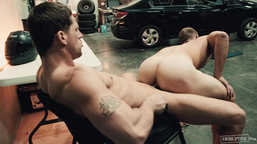 follada tremenda con el mecánico