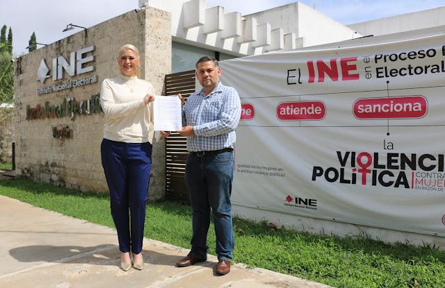 Denuncia Camino Farjat a Fernando Balmes del INE-Yucatán