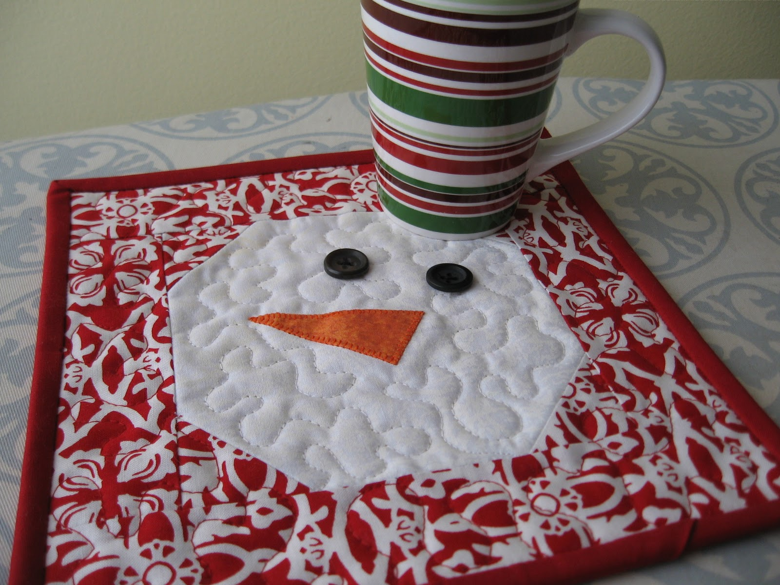 Not So Plain Jane Snowman Mug Rug Tutorial