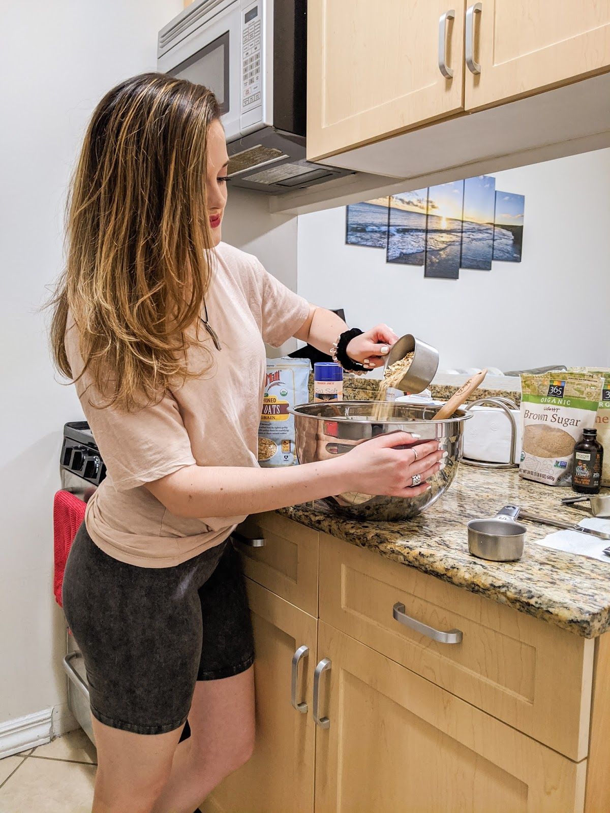 Nyc fashion blogger Kathleen Harper's baking photo shoot in her kitchen.