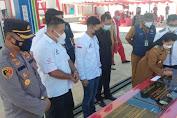 Bupati Karolin Resmikan Tiga Lembaga Penyalur BBM Satu Harga Di Desa Nyayum