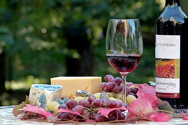 Benefits Of Consuming Cheese And Red Wine