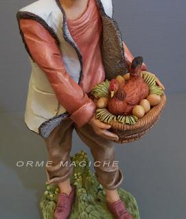 dettagli statuette realistiche modellino gallina presepio uova orme magiche