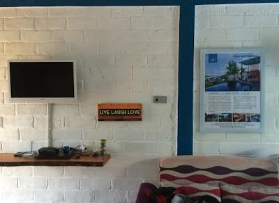 fasilitas tv di kamar standar omah alchy