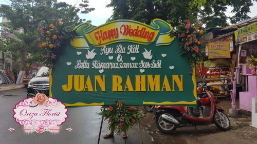 beli bunga papan di surabaya, jual papan bunga surabaya, bunga papan surabaya murah