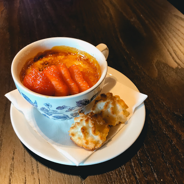 The Fox Menston review - vanilla creme brûlée with biscuits