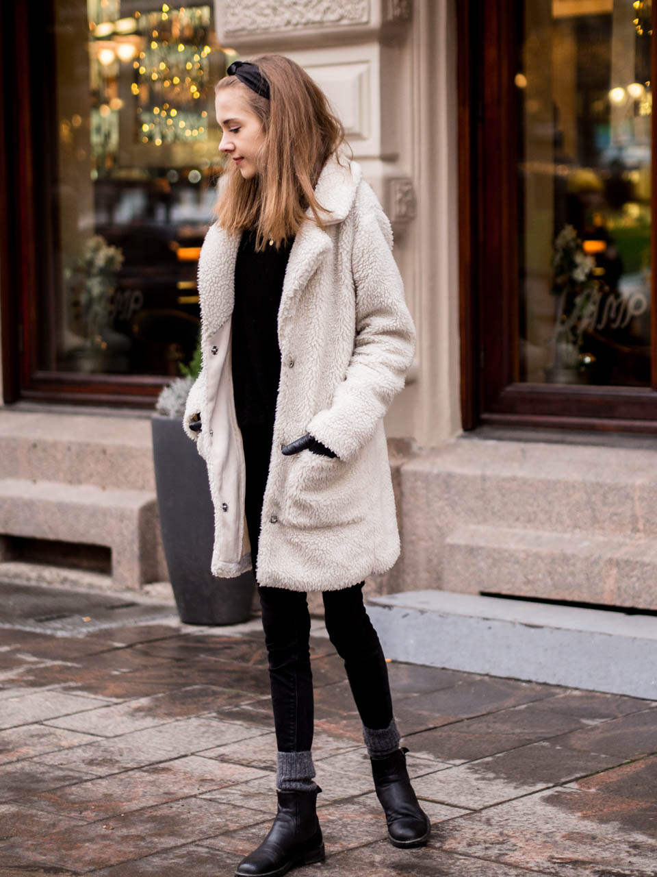 what-would-blair-waldorf-do-winter-outfit-with-black-silky-headband