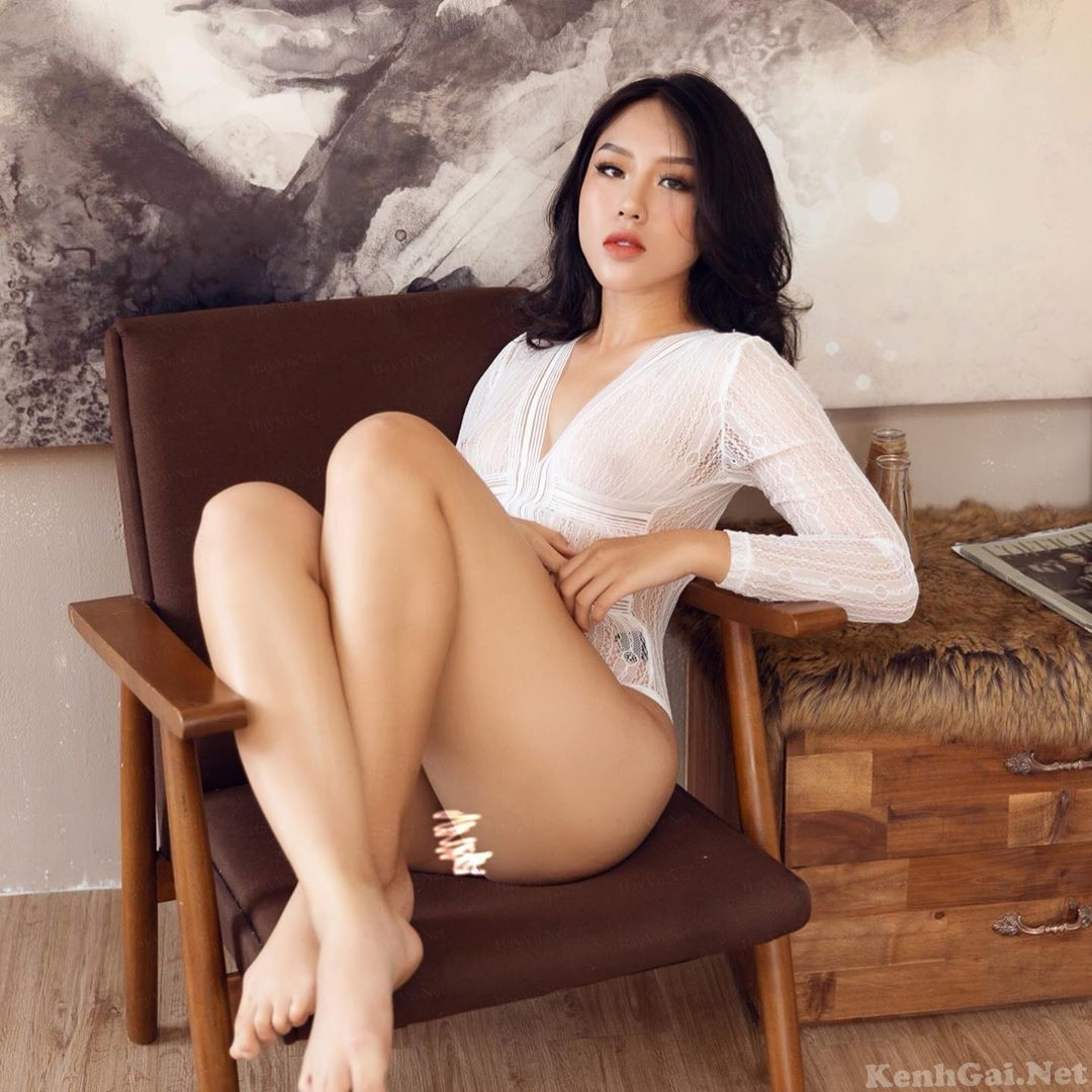 Model Vietnamese #N-Em 82   E-CUP